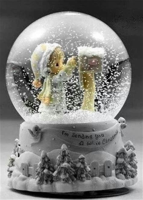 snow globe 17 best images about snow globes on sleigh