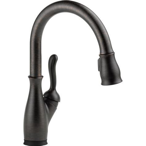 delta leland kitchen faucet reviews delta leland single handle pull sprayer kitchen