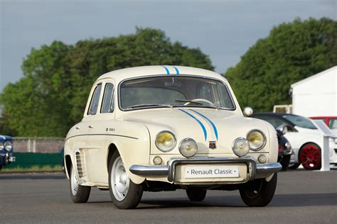 Renault Dauphine by Renault Dauphine 1093 140 Km H Sur Le Banking Boitier