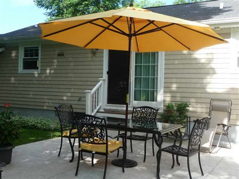 4 patio set with umbrella choosing the best outdoor patio set with umbrella for your