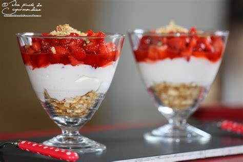 trifle 224 la fraise et au fromage blanc une pinc 233 e de gourmandise
