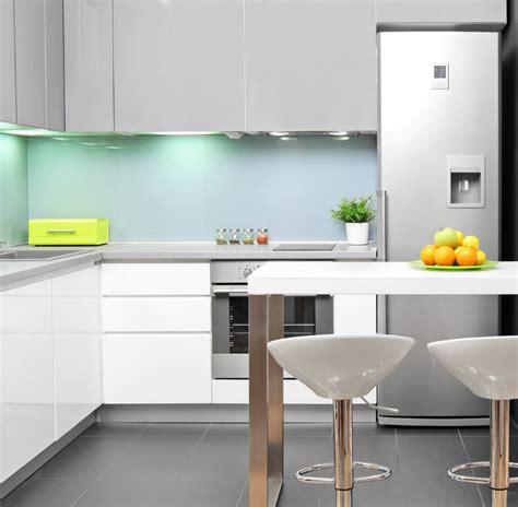 7 ideas c 243 mo iluminar una cocina con led - Iluminacion Led Cocinas