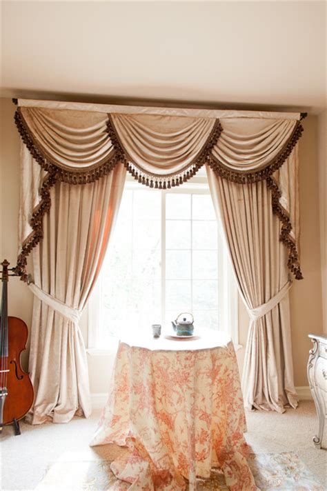 Curtain Rods For Bow Windows curtain pelmet designs and ideas for the windows