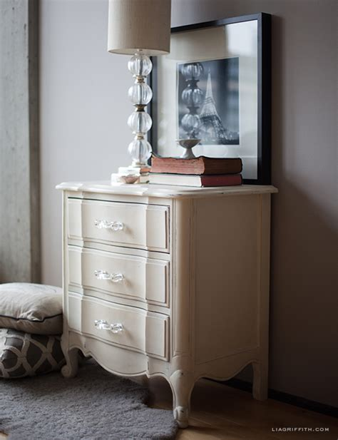 diy chalk paint on furniture painted furniture using sloan chalk paint lia