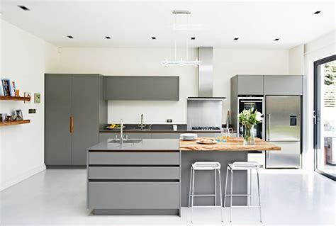 gray and white kitchen 30 gorgeous grey and white kitchens that get their mix right