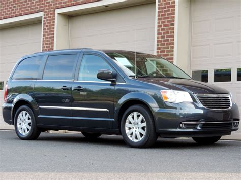 Chrysler Town And Country Dvd by 2014 Chrysler Town And Country Touring Rear Dvd