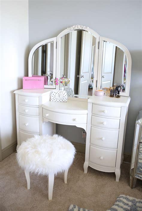 bedroom vanitys southern curls pearls bedroom reveal