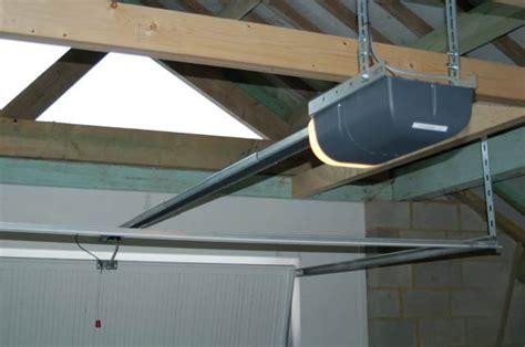 moteur electrique pour porte de garage moteur electrique porte garage sur enperdresonlapin