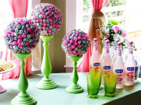how to make centerpieces how to make a lollipop topiary centerpiece how tos diy