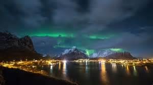 lights cost lofoten islands northern lights coast