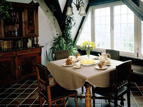 decorate small dining room interior decorating ideas for small dining rooms