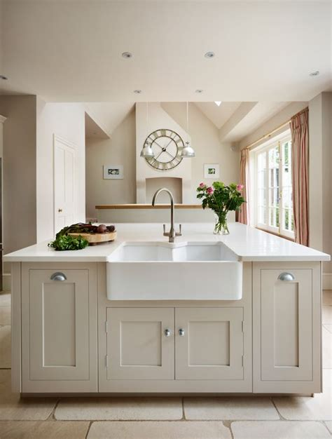 classic painted white shaker kitchen from harvey jones harvey jones shaker kitchen painted in greene paint