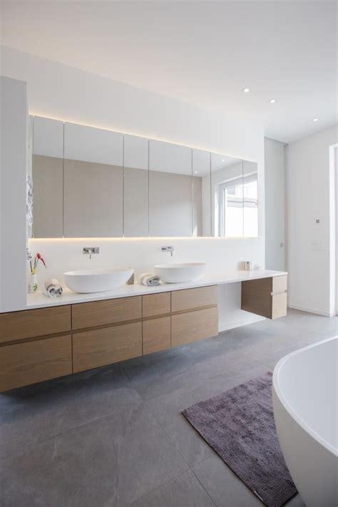 Badezimmermöbel Flensburg by Waschtisch Mit Indirekt Beleuchtetem Spiegelschrank