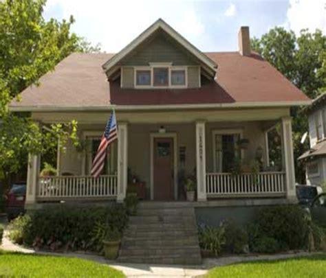 paint colors for exterior ranch style house bungalow exterior paint colors shabby chic cottage