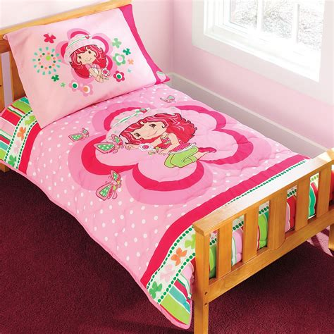 strawberry shortcake bed set strawberry shortcake 4 toddler bedding set