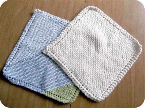 easy knitted dishcloth delightfully simple diy monday knitting a dishcloth a