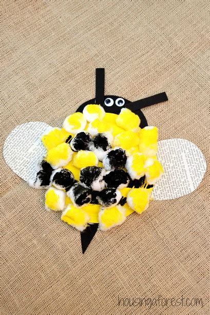 bumble bee paper plate craft bumble bee preschool craft housing a forest