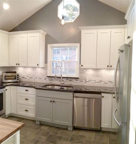 photos of painted kitchen cabinets shaker white painted cabinets kitchen design photos