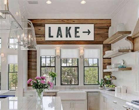 decorating a lake house 25 best ideas about lake house kitchens on