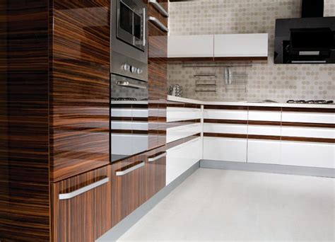 high gloss kitchen cabinet doors 25 best ideas about high gloss kitchen doors on