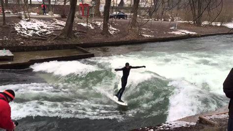 Englischer Garten München Wellenreiten by River Surfer In M 252 Nchen Wellenreiter Am Eisbach