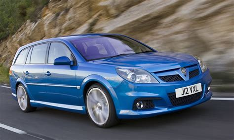 vauxhall vectra hatchback 2005 2008 driving vauxhall vectra estate review 2005 2008 parkers