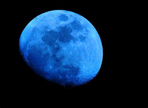 blue moon blue moon halo