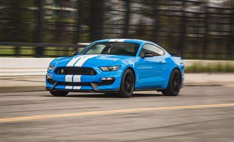 Ford Shelby Gt350 by 2017 Ford Mustang Shelby Gt350