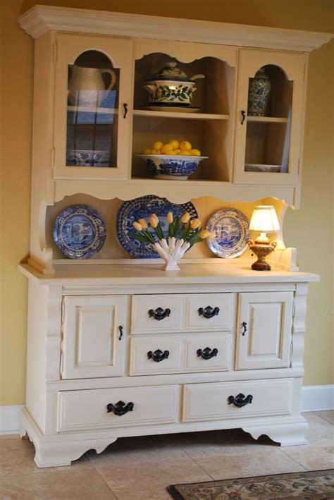 chalk paint hutch hometalk craigslist hutch makeover with chalk paint