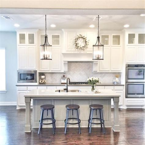 25 best ideas about kitchen pendants on 25 best ideas about kitchen island lighting on