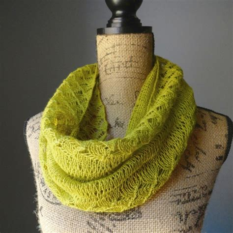 how to knit an infinity scarf with needles how to knit an infinity scarf 9 fashionable cowl