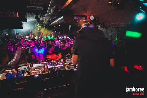 best night club barcelona 13 best night clubs in barcelona in 2018 xceed blog