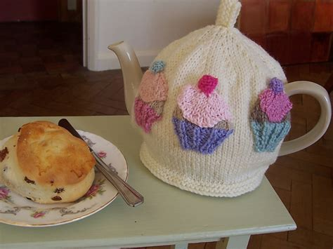 cupcake tea cosy knitting pattern free 1000 images about knitted tea cosies on