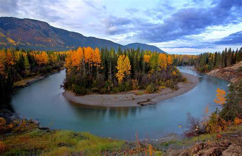 autumn colors along tanzilla river in northern british