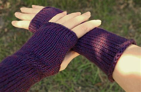wrist warmers free knitting pattern knitted wrist warmers pattern 1000 free patterns