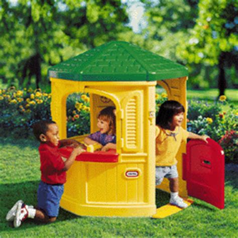 cozy cottage playhouse tikes cozy cottage playhouse garden review
