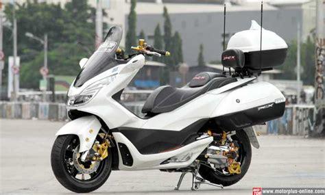 Pcx 2018 Ban Lebar by Modifikasi Honda Pcx 150 Otowire