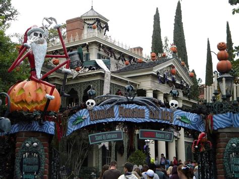 nightmare before decorated house nightmare before haunted mansion pictures