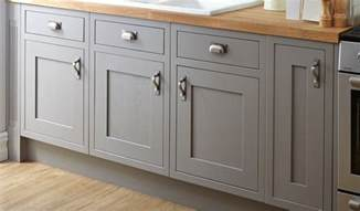 replacing kitchen cabinet doors cost cost of replacing kitchen cabinet doors and drawers