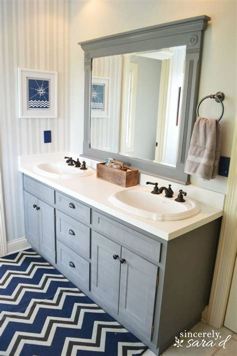 Bathroom Cabinet Paint Ideas by Painting Bathroom Cabinets On Painting