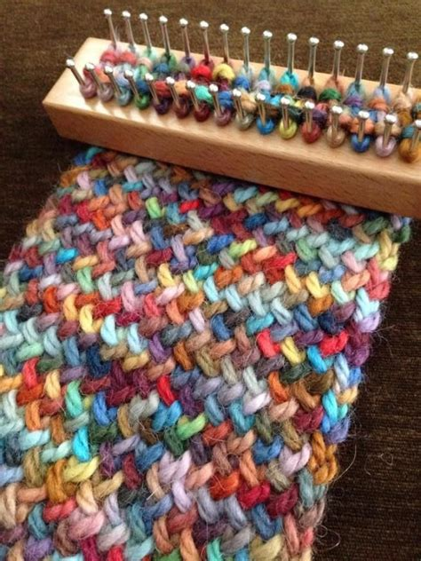loom knitting ideas 25 best ideas about loom knitting scarf on
