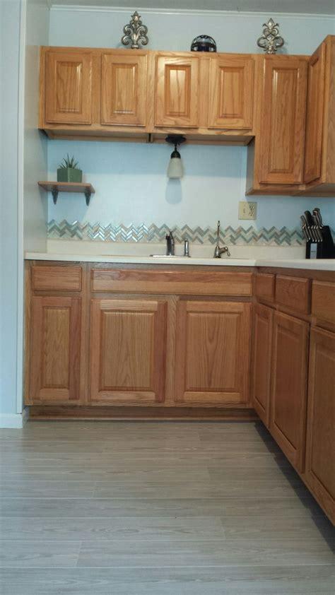 honey oak kitchen cabinets best 25 honey oak cabinets ideas on honey oak
