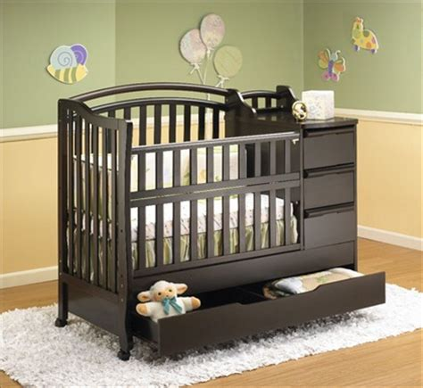 baby cribs and furniture cribs and bassinets info on cribs and bassinets moses