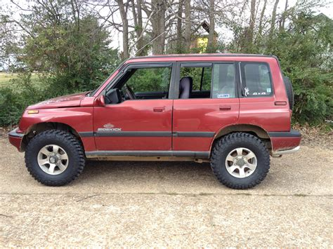 Lifted Suzuki Sidekick by Lifted 1995 Suzuki Sidekick 31 Quot Mud Tires Sound System