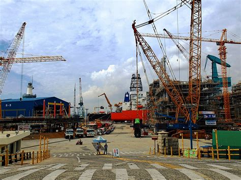 Hyundai Shipyard by Hyundai Heavy Industries