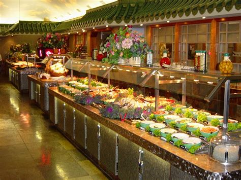mgm buffet cost frugally vegas several vegas buffets lower prices