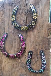 horseshoe crafts for 33 painted horseshoes 37 horseshoe crafts to try your