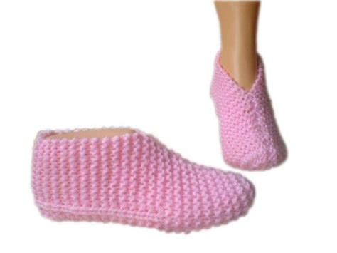 knitted bed socks free patterns 16 best knitted bed socks images on bed socks