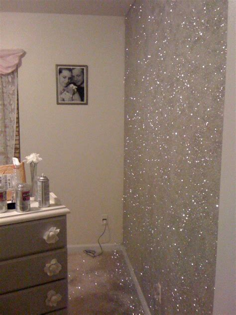 spray painting on walls 25 best ideas about sparkle paint on glitter