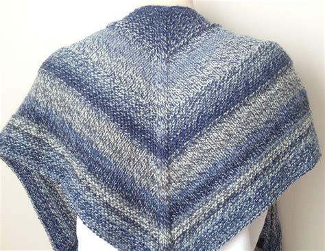 shawl knitting patterns free knitting pattern weekender shawl deux brins de maille